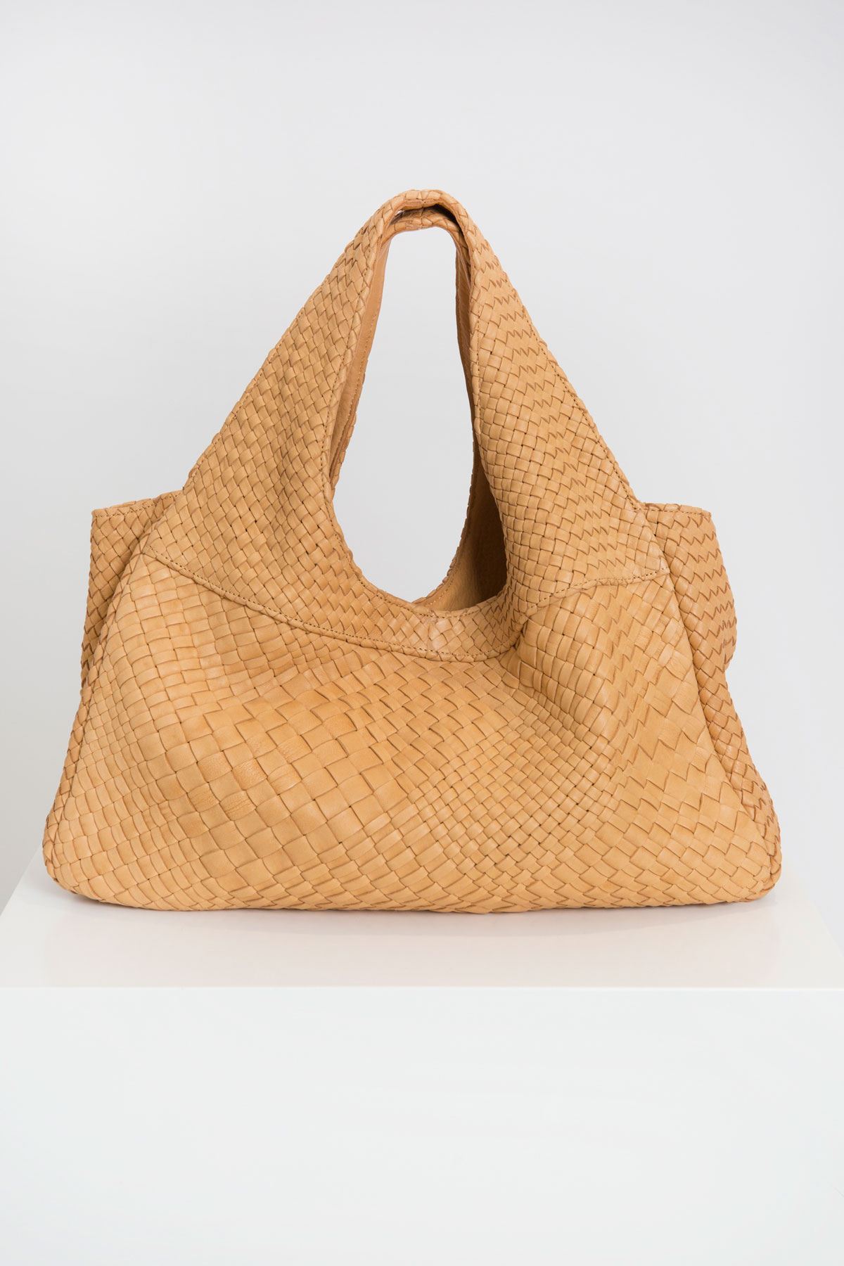 pablo-claramonte-weaved-bag-matchboxathens
