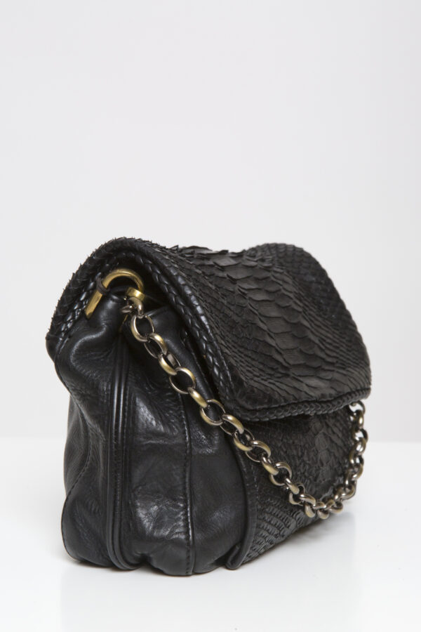 rum-chain-reptiles-house-leather-bag-croc-black-matchboxathens