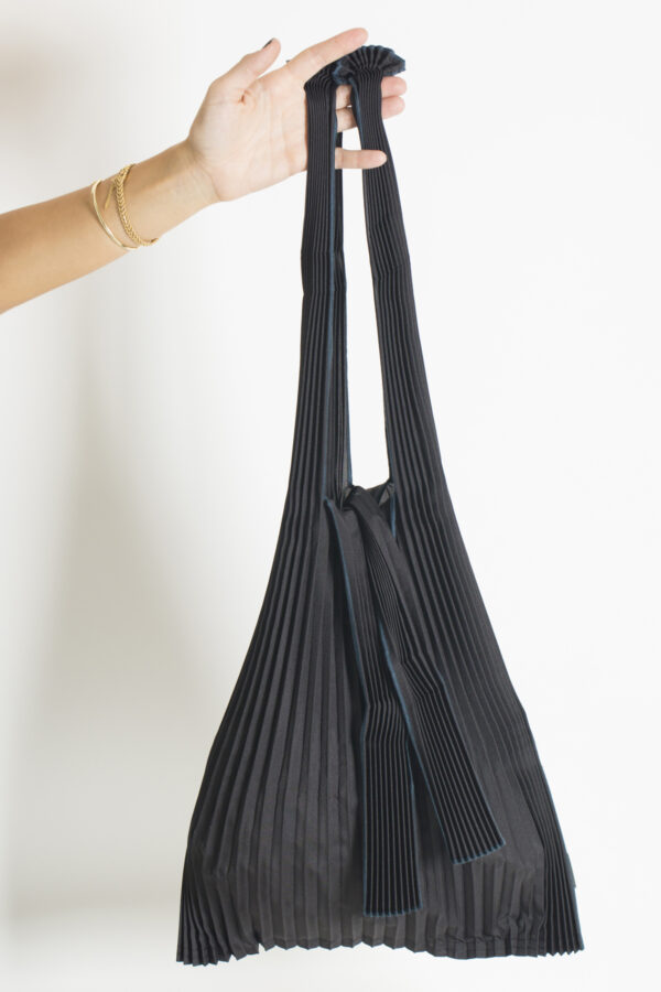 tote-pleco-large-black-bag-matchboxathens