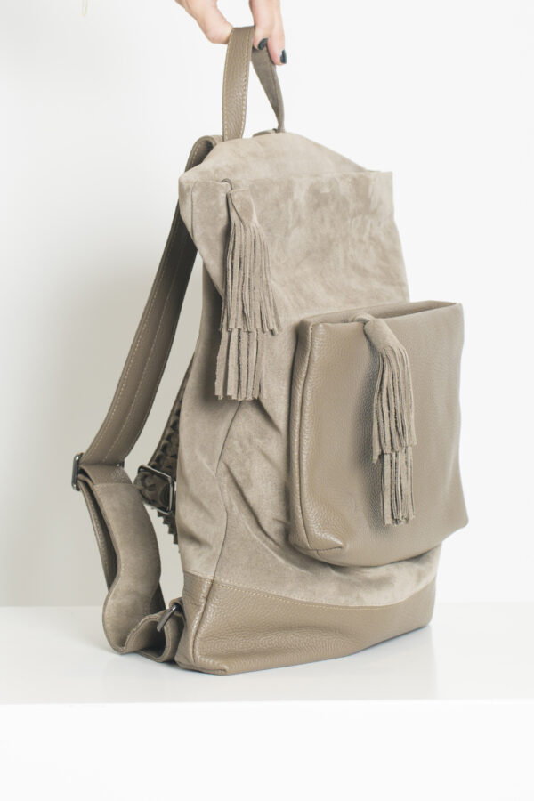 roadtrip-backpack-taupe-park-house-leather-matchboxathens