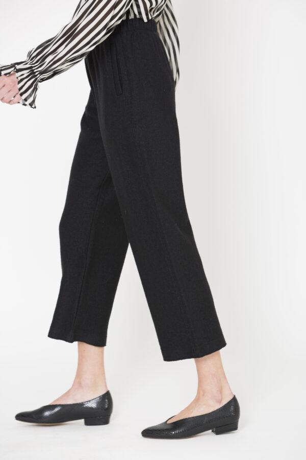 feminalia-black-wool-trousers-mesdemoiselles-matchboxathens