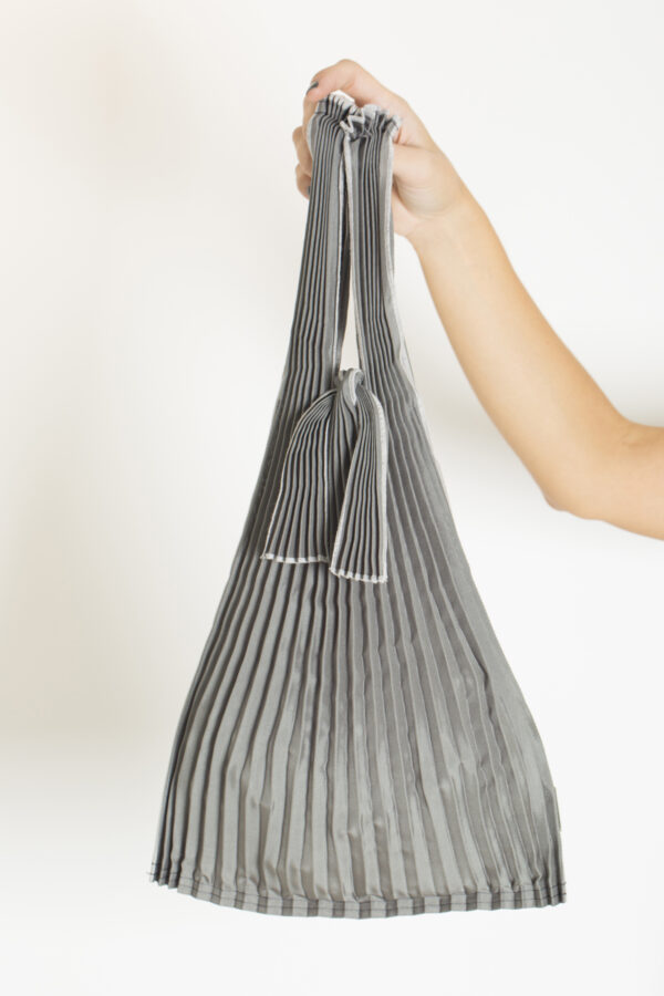 tote-small-gray-pleats-pleco-matchboxathens