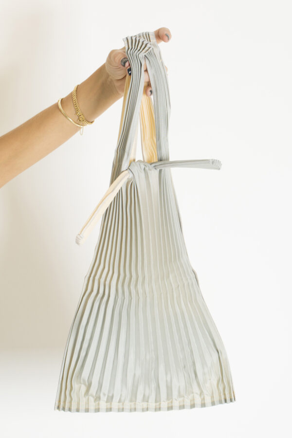 tote-small-beige-silver-pleats-pleco-matchboxathens