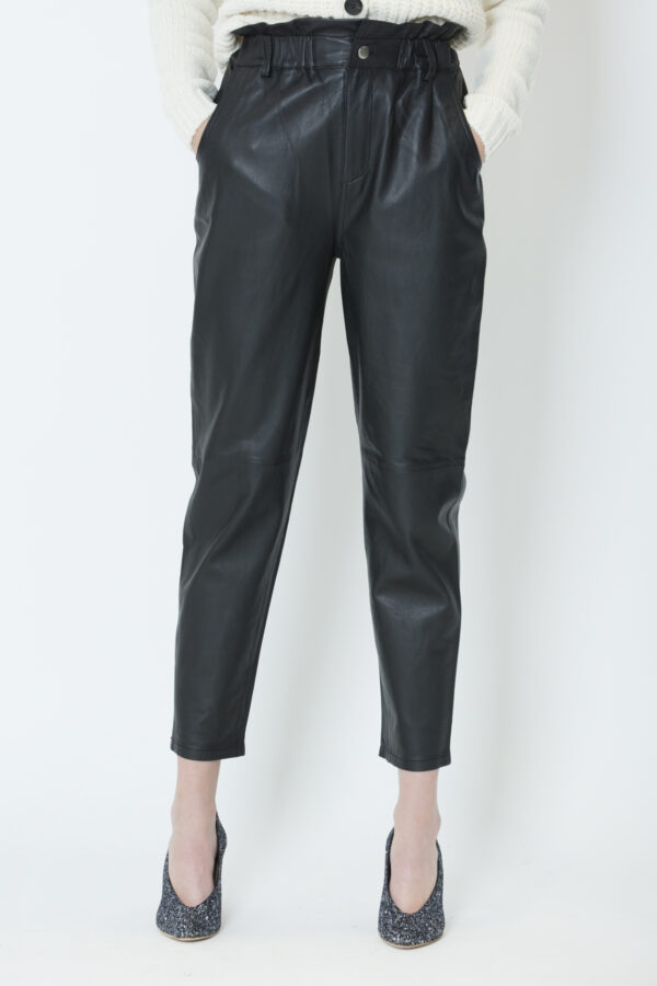 peyton-black-trousers-leather-baggy-berenice