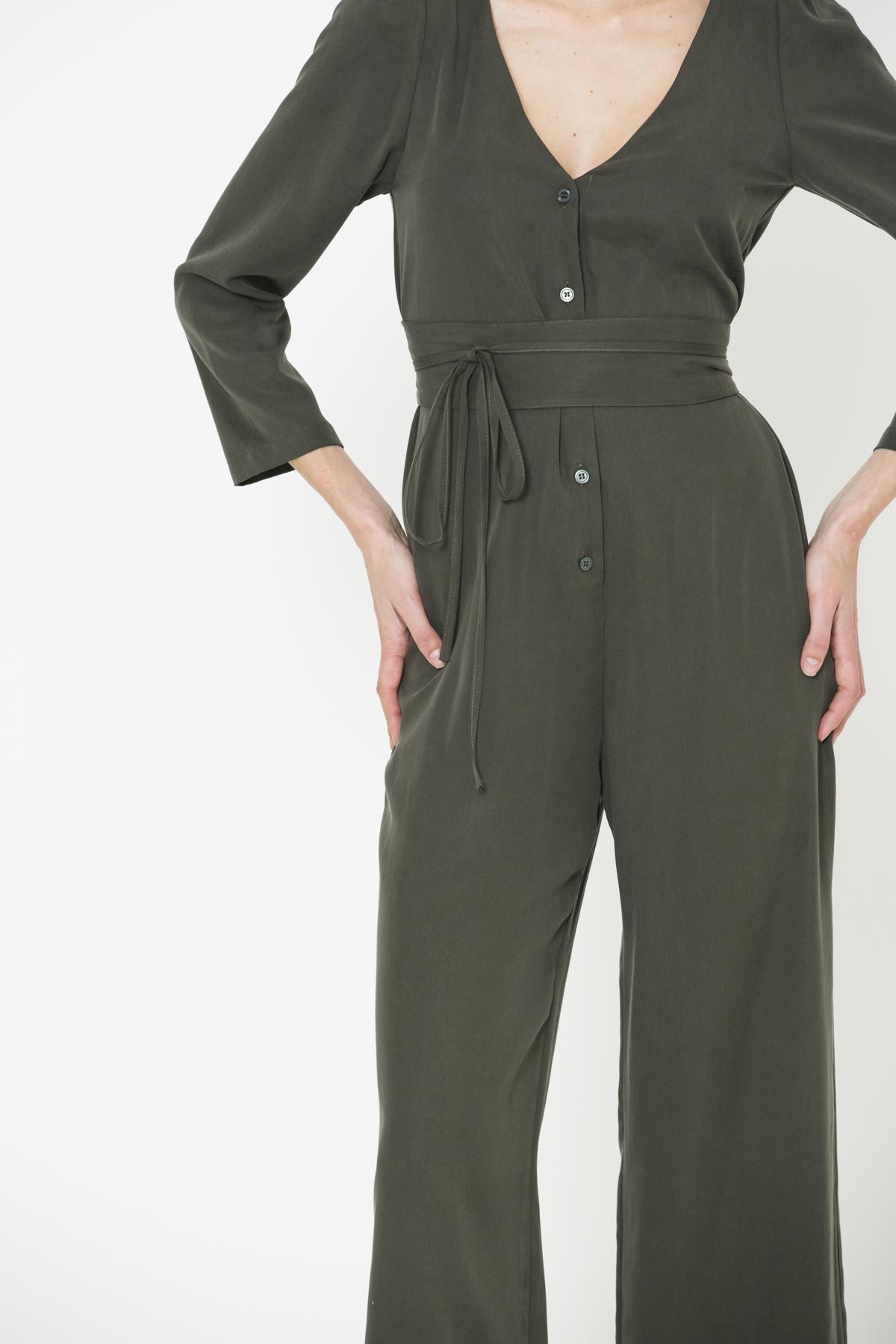 hati-jumpsuit-kaki-neckline-waist-wrap-uniforme-matchboxathens