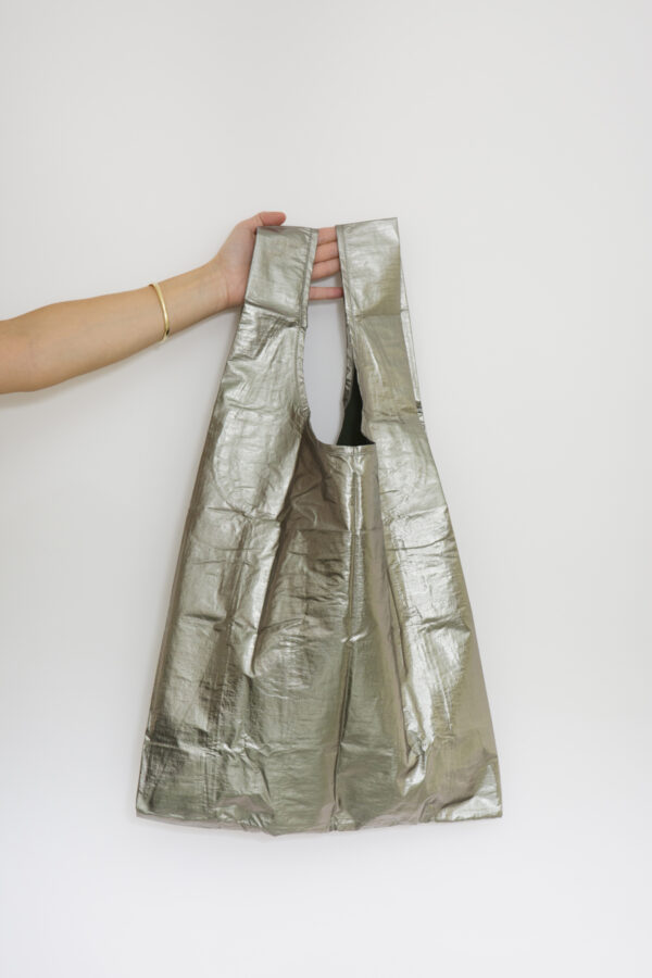 standard-bag-pewter-metallic-shopping-nylon-eco-friendly-baggu-matchboxathens