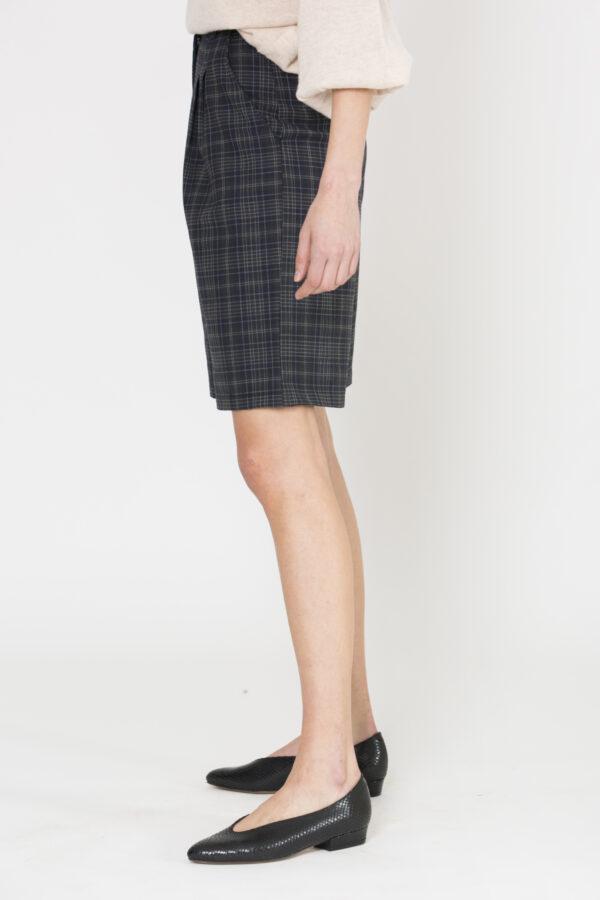 roxanne-bermuda-check-wool-uniforme-matchboxathens