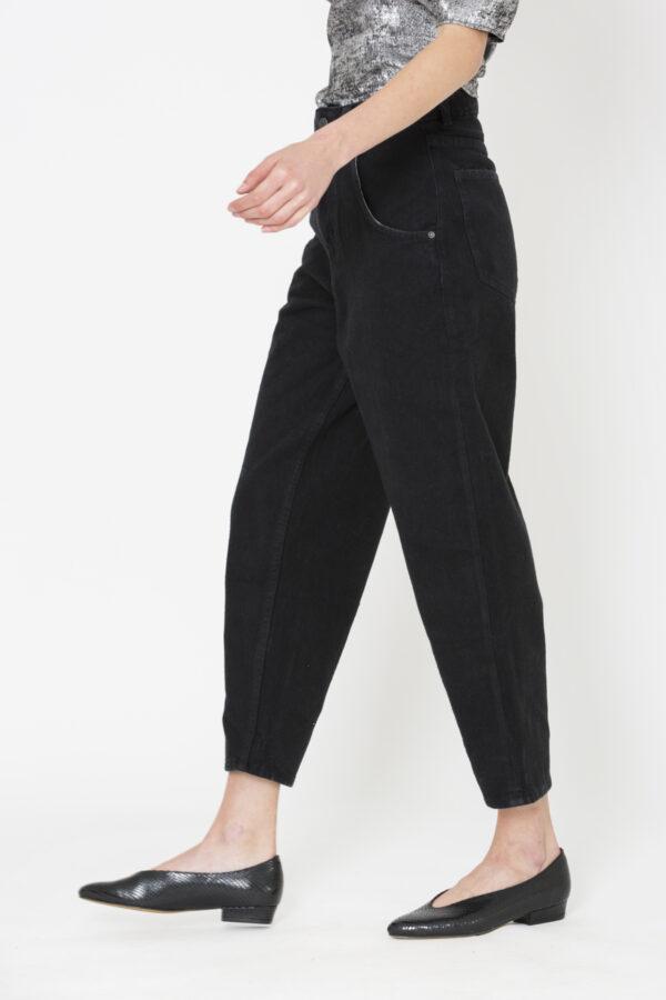 tikay-jeans-black-carrot-cotton-american-vintage-matchboxathens