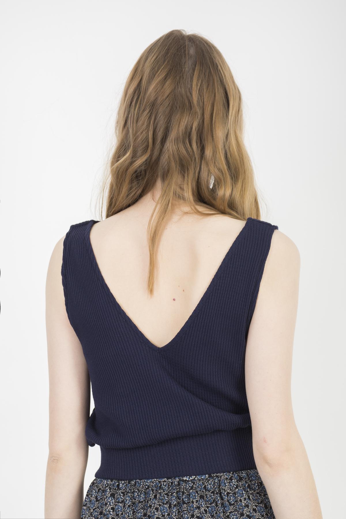tsieme-blue-knit-crop-top-buttons-sessun-matchboxathens