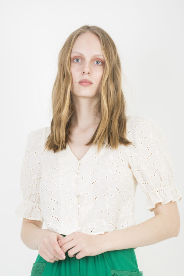 malin-white-top-broderie-anglaise-twsit-tango-puffy-sleeves-matchboxathens