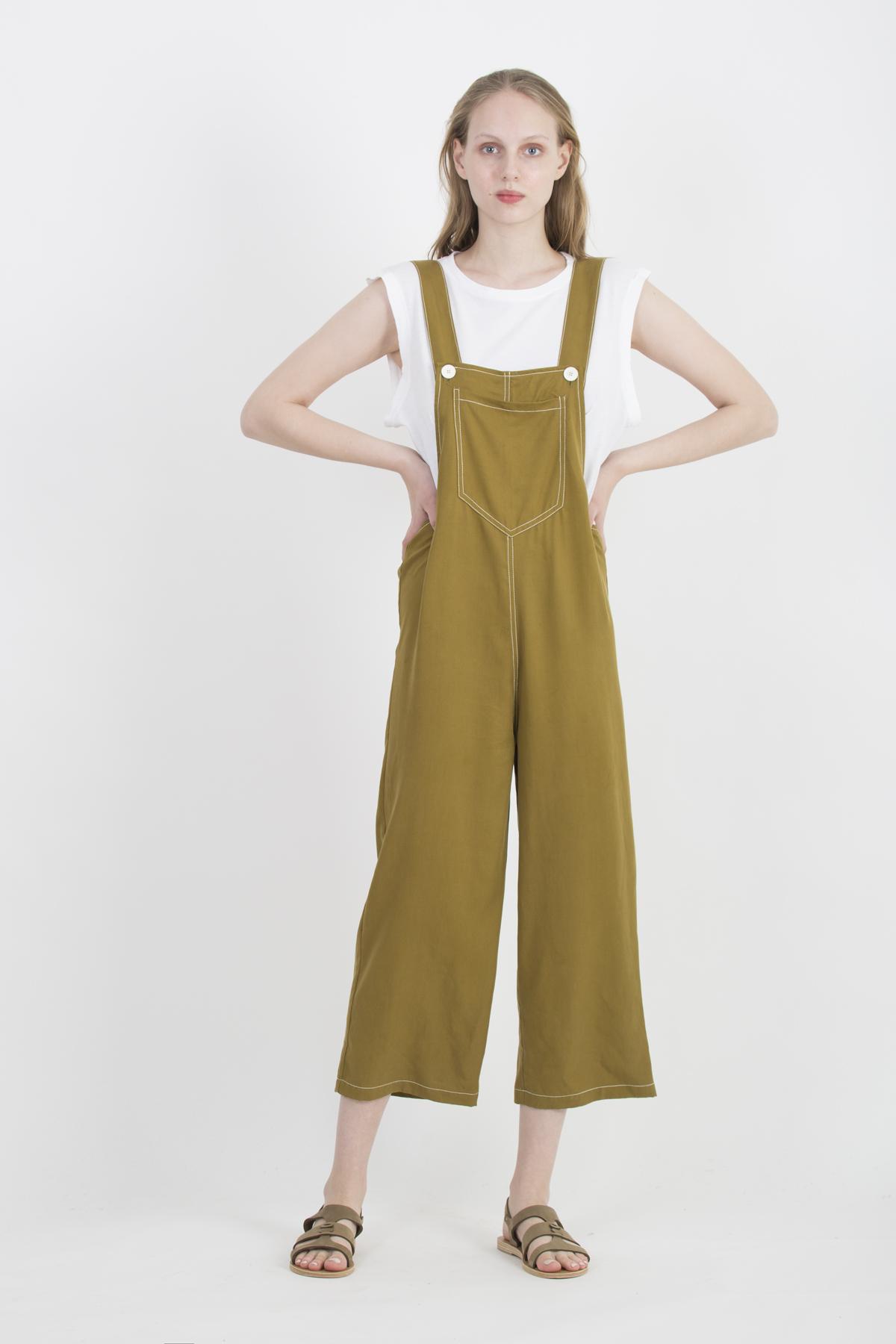 flora-kaki-jumpsuit-uniforme-athens-matchboxathens