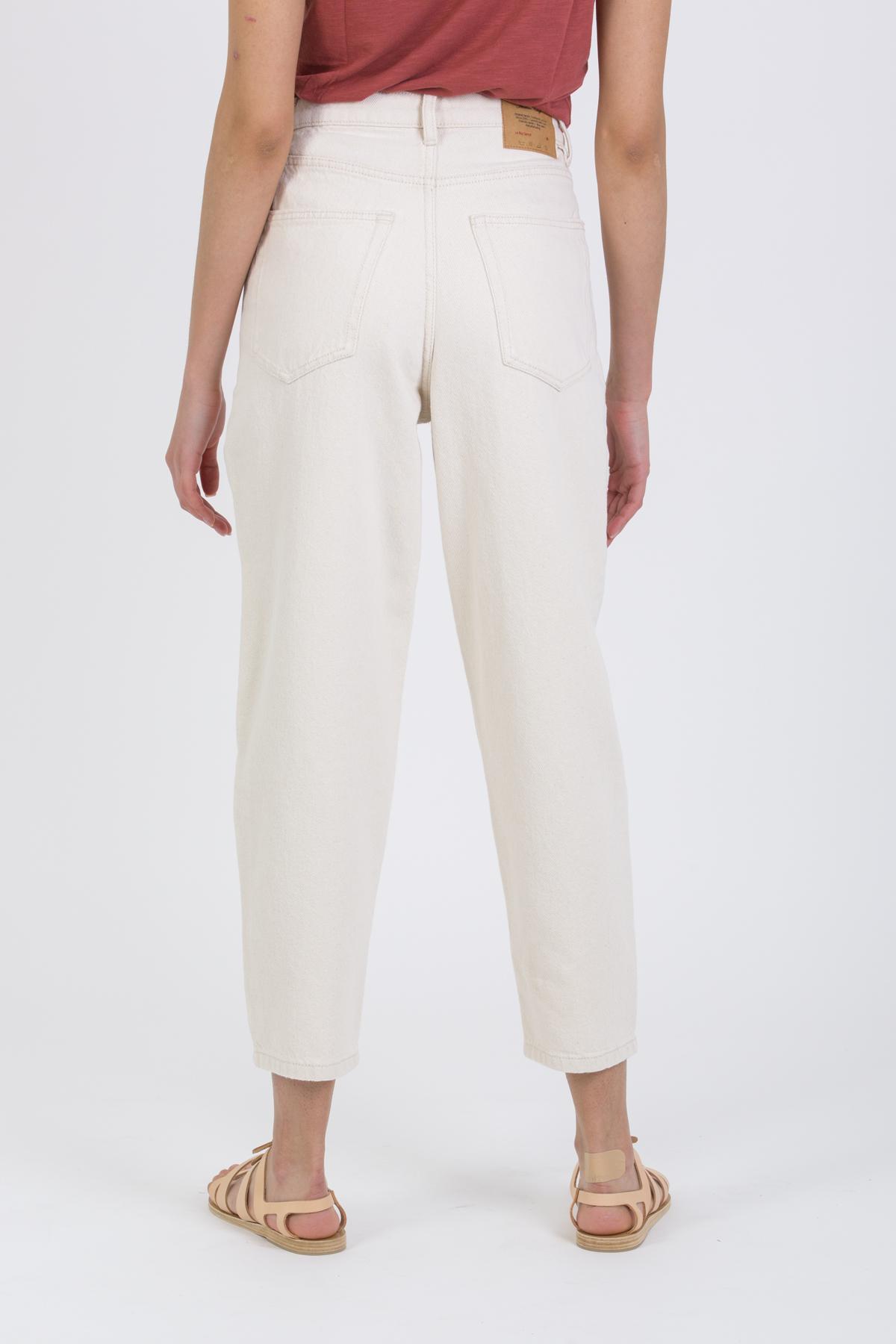 tine-borow-TINE11AE21-jeans-ecru-american-vintage-matchboxathens