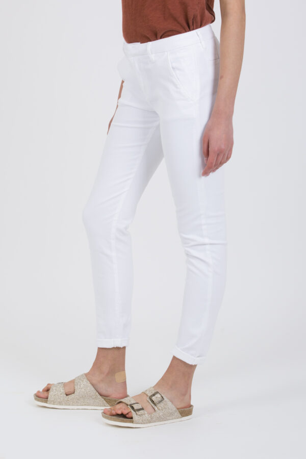 sandy-basic-chino-white-reiko-pants-matchboxathens
