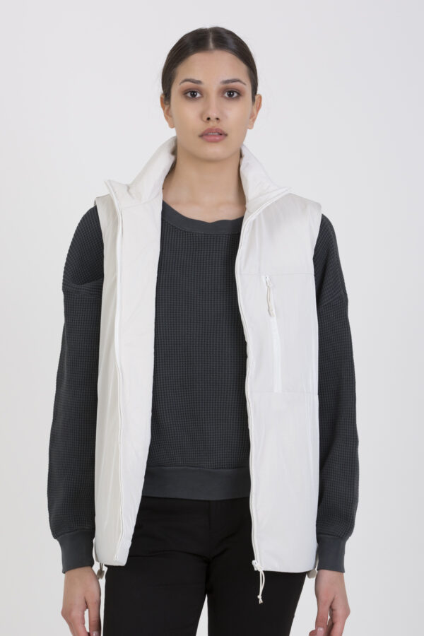 drifter-off-white-vest-rains-matchboxathens