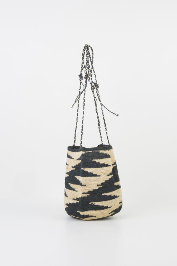 enamorada-2-bag-bucket-cactus-fiber-maison-badigo-paris-matchbxoathens