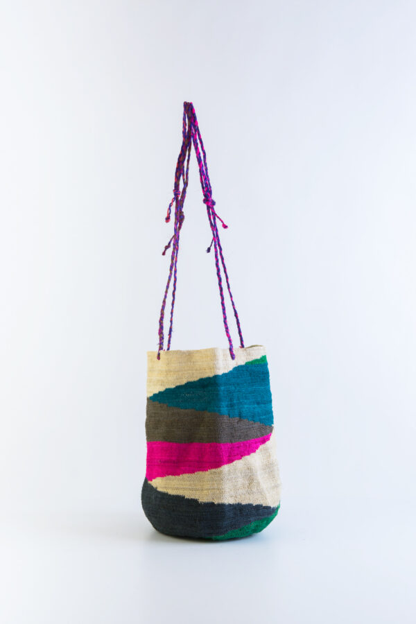 amiga3-basket-bag-cactus-fibre-raphia-narural-unique-maison-badigo-matchboxathens