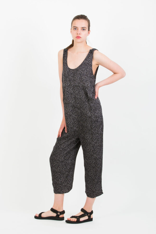 gintown-gin12-jumpsuit-printed-matchboxathens-black-white