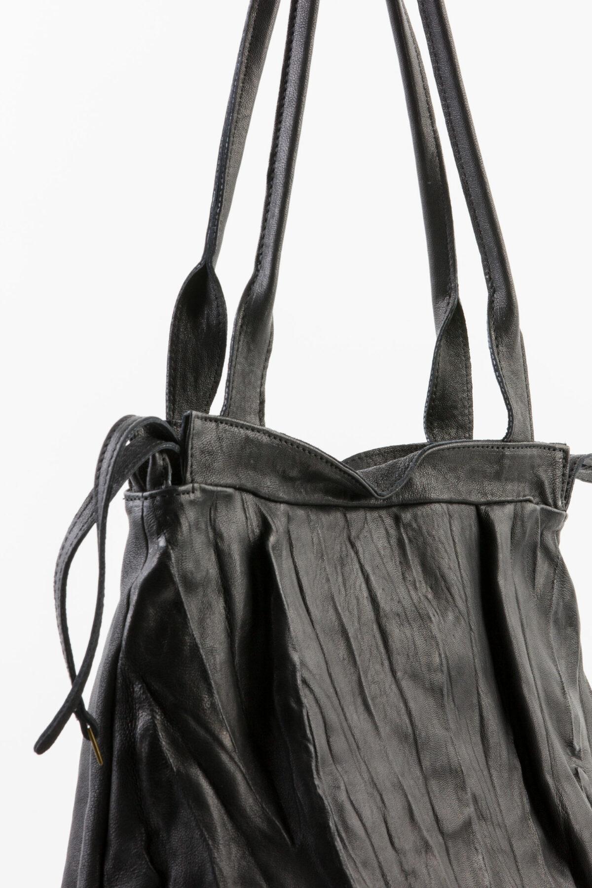 laura-black-bag-mialuis-shopper-matchboxathens